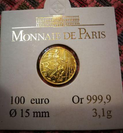Moeda de ouro baixa de preço