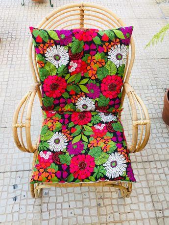 Cadeira de bambu vintage