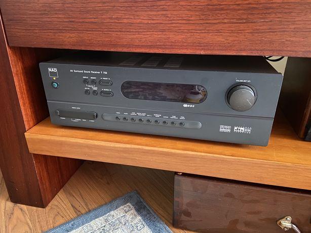 Amplificador surround souind receiver AV NAD T752