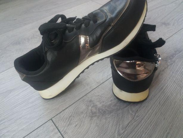 кросовки черные с паетками