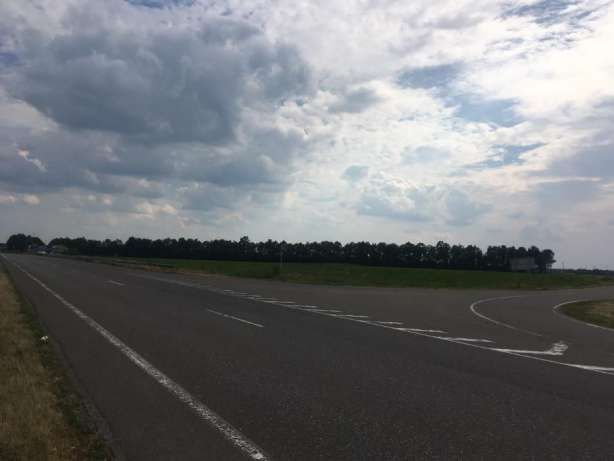 Земля комерційного призначення на фасаді траси Київ-Одеса рн.Умань)