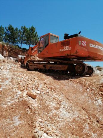 Escavadora Daewoo 330