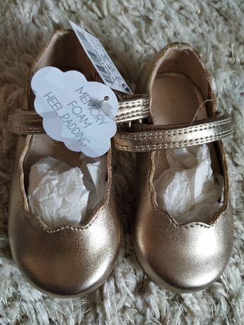 Buty, buciki, balerinki, kapcie NEXT r. 19 Nowe święta, chrzest