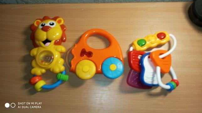 Іграшки для малениких
