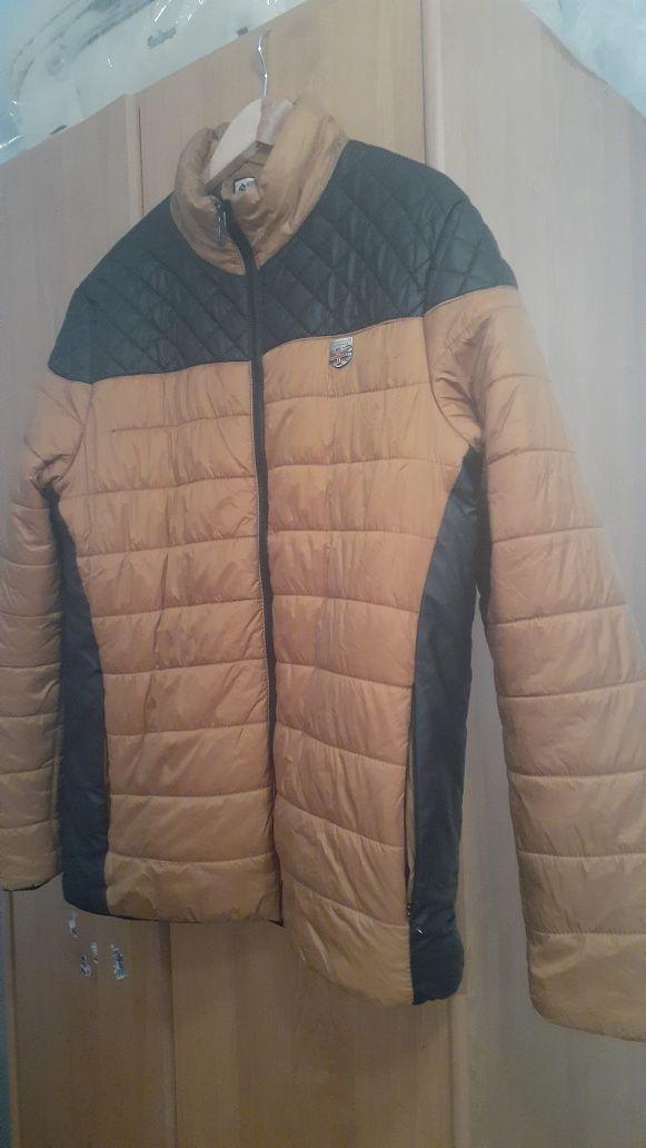 Продам куртку на мальчика подростка