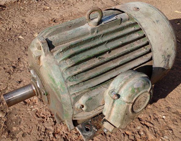 Электродвигатель, электромотор АИР132S4, АО2-51-4 (7,5 кВт, 1500 об)