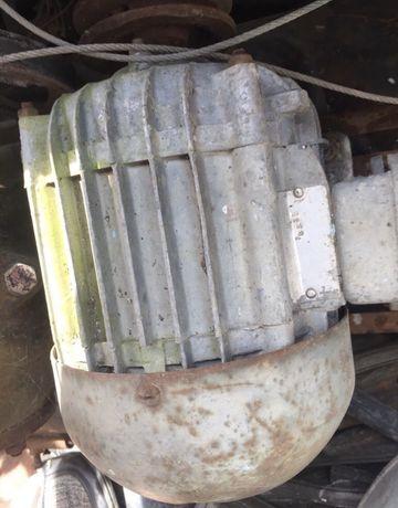 Продам, електро-комресор, і генератор з 2ресиверами ще СРСР