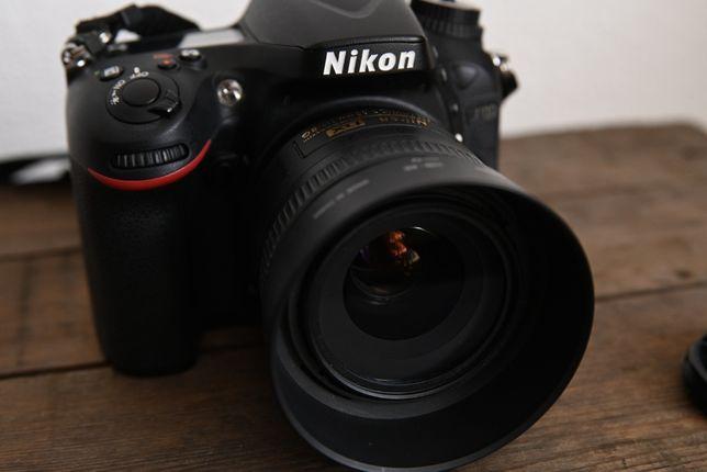 NIKON D7100 NIKKOR 35mm 1.8