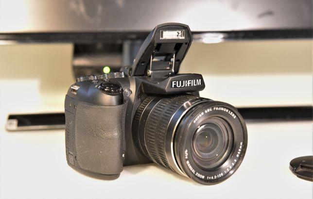 Aparat Fujifilm Finepix HS25 EXR + torba