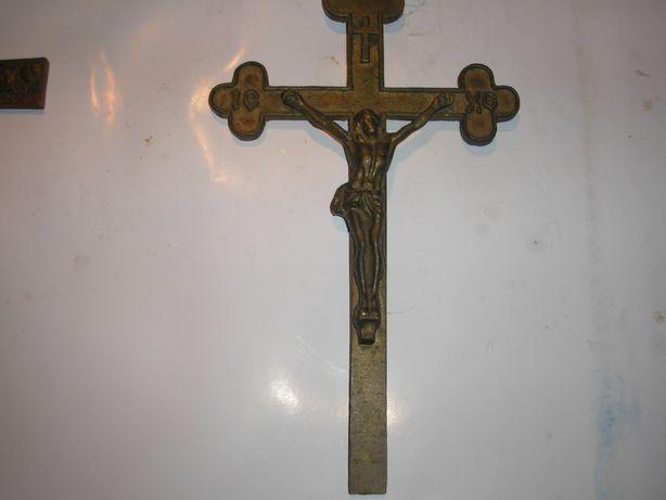 Бронзовый крест с распятие