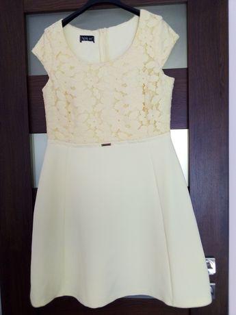 Sukienka z koronką