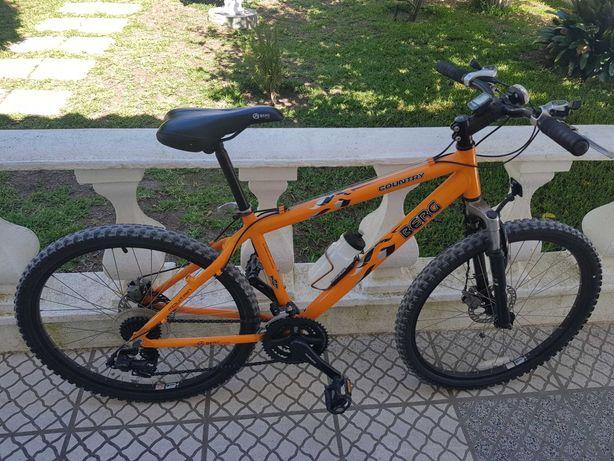 Bicicleta Berg com Travões de Disco