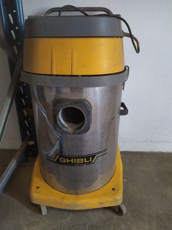 Aspirador industrial sólidos e líquidos