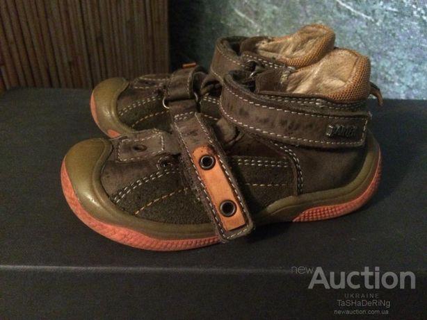 Ботинки кожа кроссовки тапочки Bartek кожаные