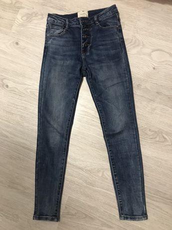 Nowe spodnie damskie 36