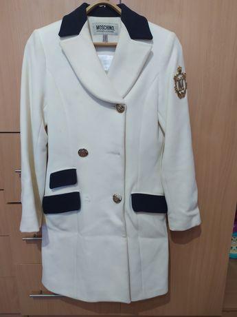 Пальто moschino 42 размер демисезонное