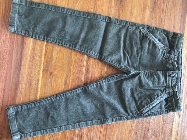 Calças verde seco