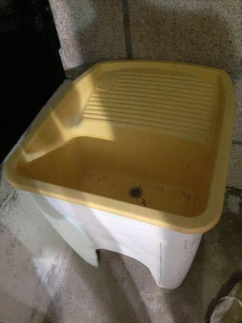 Vendo Tanque de Lavar Roupa