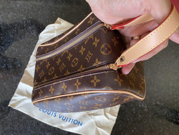 Necessaire Louis Vuitton Nova