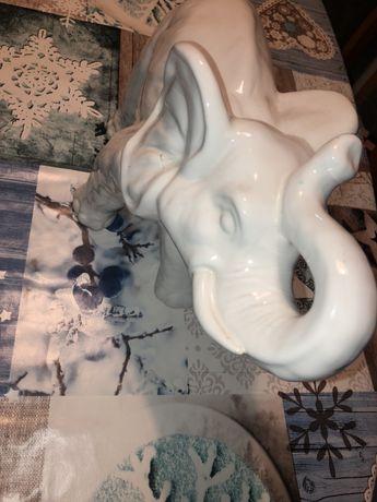 Słoń porcelanowy