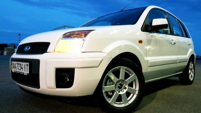 Продам Ford Fusion COMFORT 2010 с АКПП