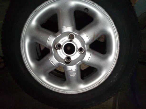 Troco Jantes 15 4x100 com pneus