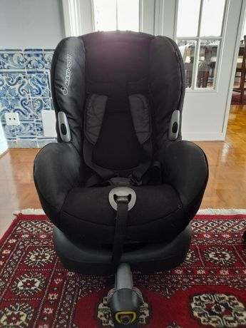 Cadeira auto Maxi-Cosi com isofix