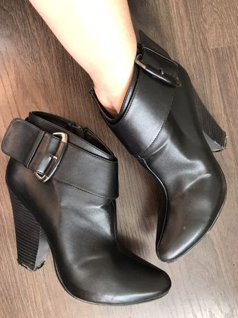 Шкіряне взуття жіноче 37 р