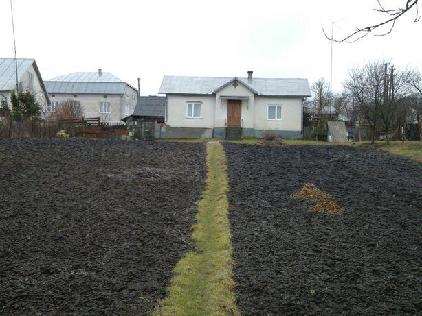 Будинок і земля в селі Черче