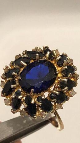 Pierścionek złoty piękny z diamentami i szafirami