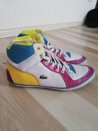 Sneakersy Lacoste. Skóra.