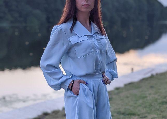 Костюм голубий,костюм з шортами