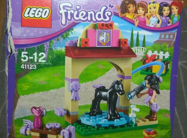 Lego friends pielęgnacja źrebaka Emmy