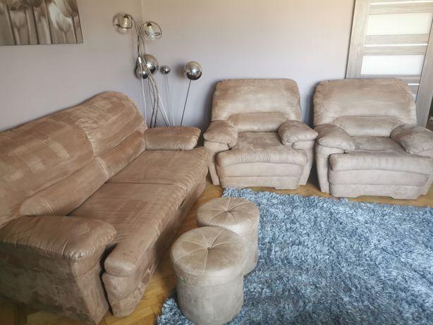 Sofa +dwa fotele i dwie pufy Wajnert