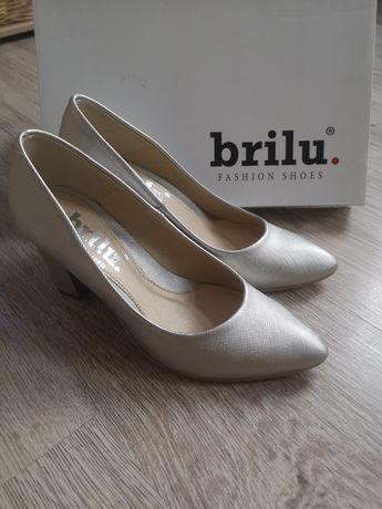 Srebrne buty ślubne