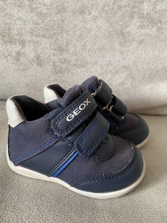 Дитячі кросівки GEOX