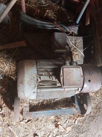 Silnik silowy 7kw na wozku wraz wylacznikiem i dlugim kablem