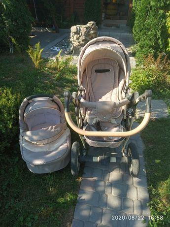 Дитяча колясочка