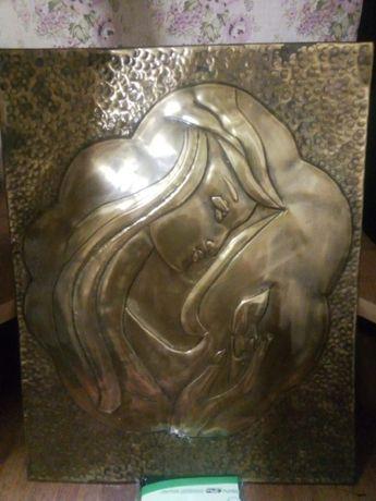 Чеканная сувенир-картина Девушка с пламенем