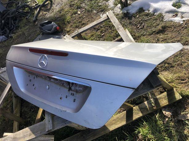 Кришка багажника mercedes w211 мерседес E clas розпродажа
