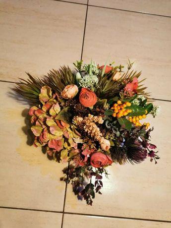 Wianek, stroik okrągły, kompozycja kwiatowa