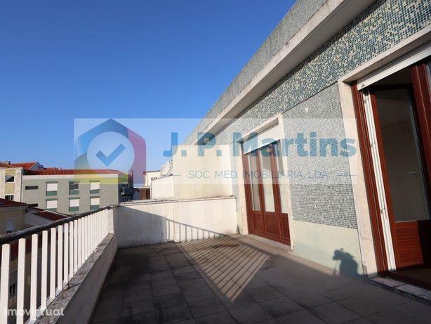 Apartamento T3/T2, Almada