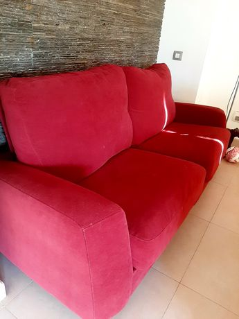 Sofá veludo confortável