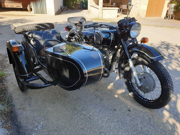 Moto DNEPR com side car - restaurada