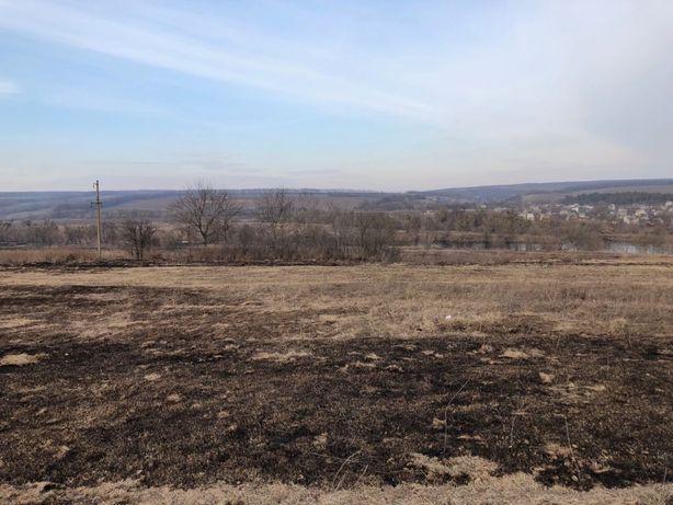 Продається приватизована земельна ділянка крайня від річки