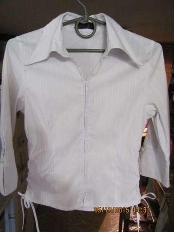 Продам белую блузку