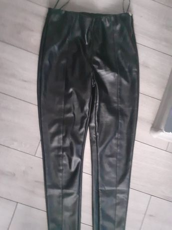 Spodnie z eko skory M 38