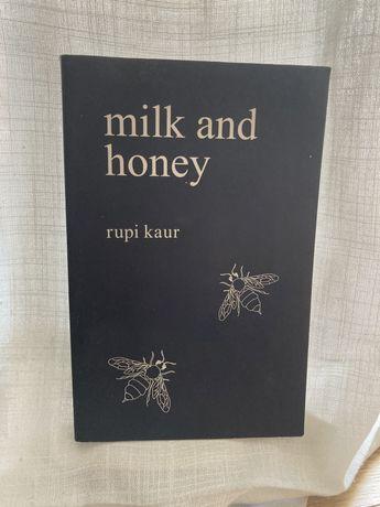 Milk and Honey - Rupi Kaur (inglês/english)
