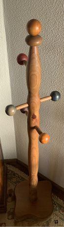 cabide madeira quarto