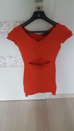 obcisła czerwona sukienka wycięcie TOP SHOP 36